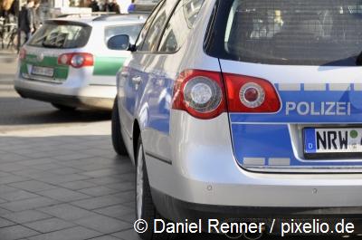 Eine kurze Fahrt im Polizeiwagen kann einem Minderjährigen 71,50 € kosten